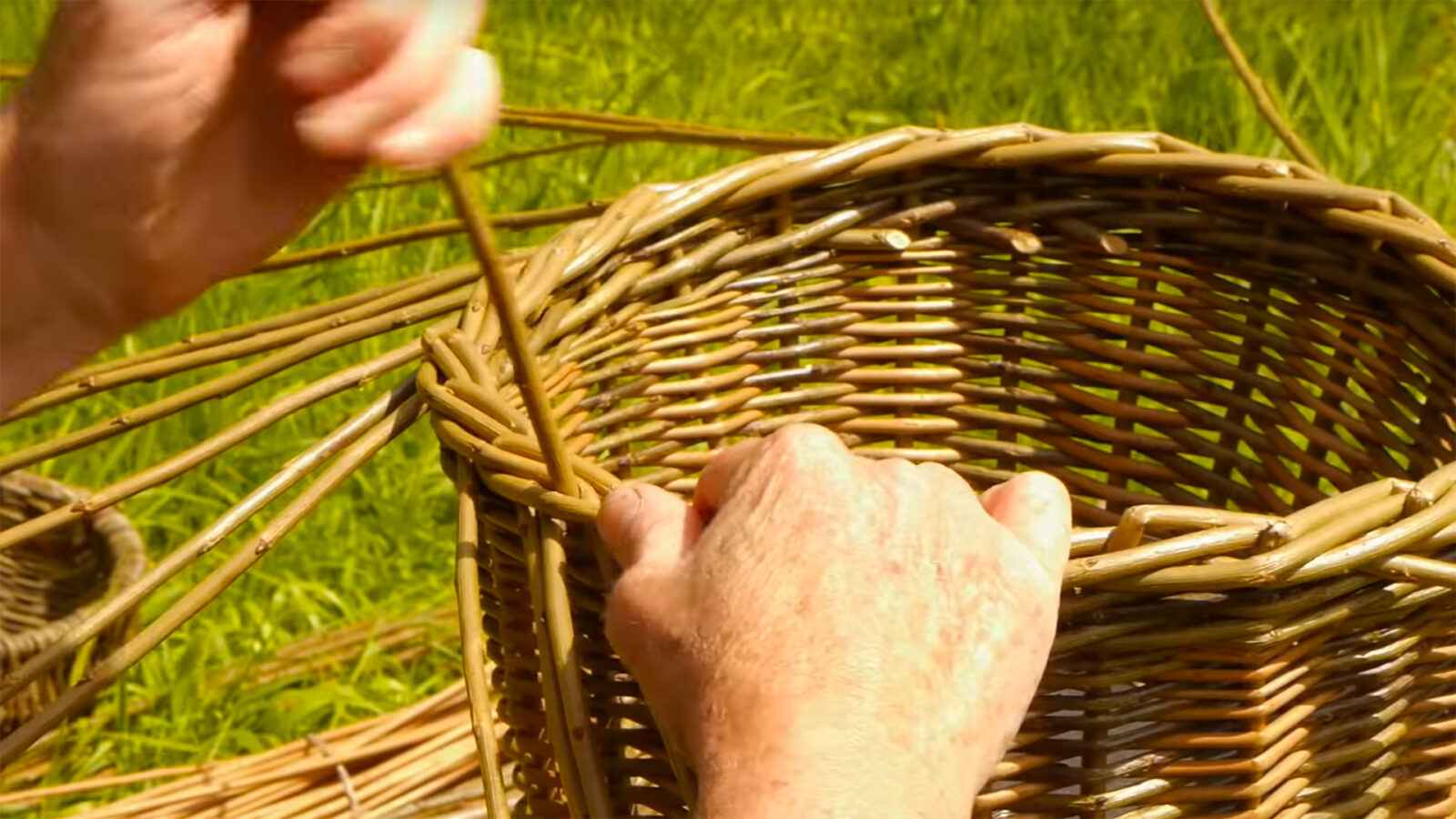 Making a traditional willow basket